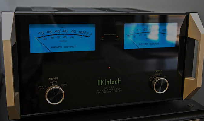 McIntosh Solid State Amplifier- Audio Exchange Richmond VA